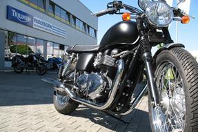 Triumph Bonneville T100 Umbau anzeigen