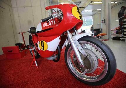 Ducati 350 Desmo