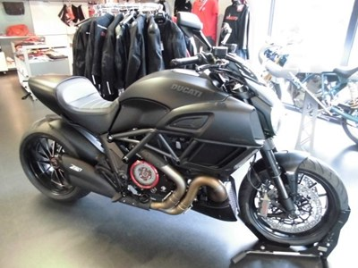 Diavel 1200 Dark