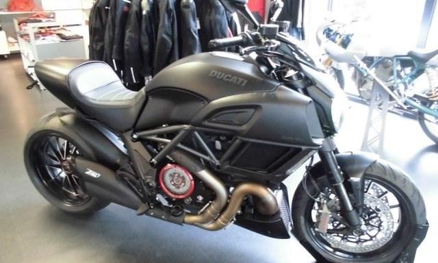 Ducati Diavel 1200 Dark