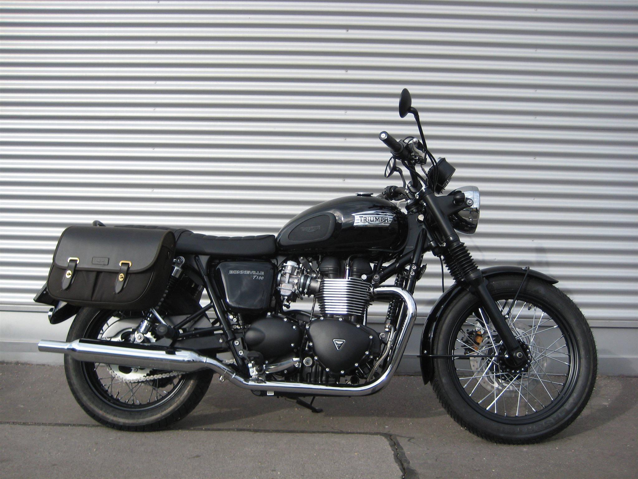 umgebautes motorrad triumph bonneville t100 black von il. Black Bedroom Furniture Sets. Home Design Ideas