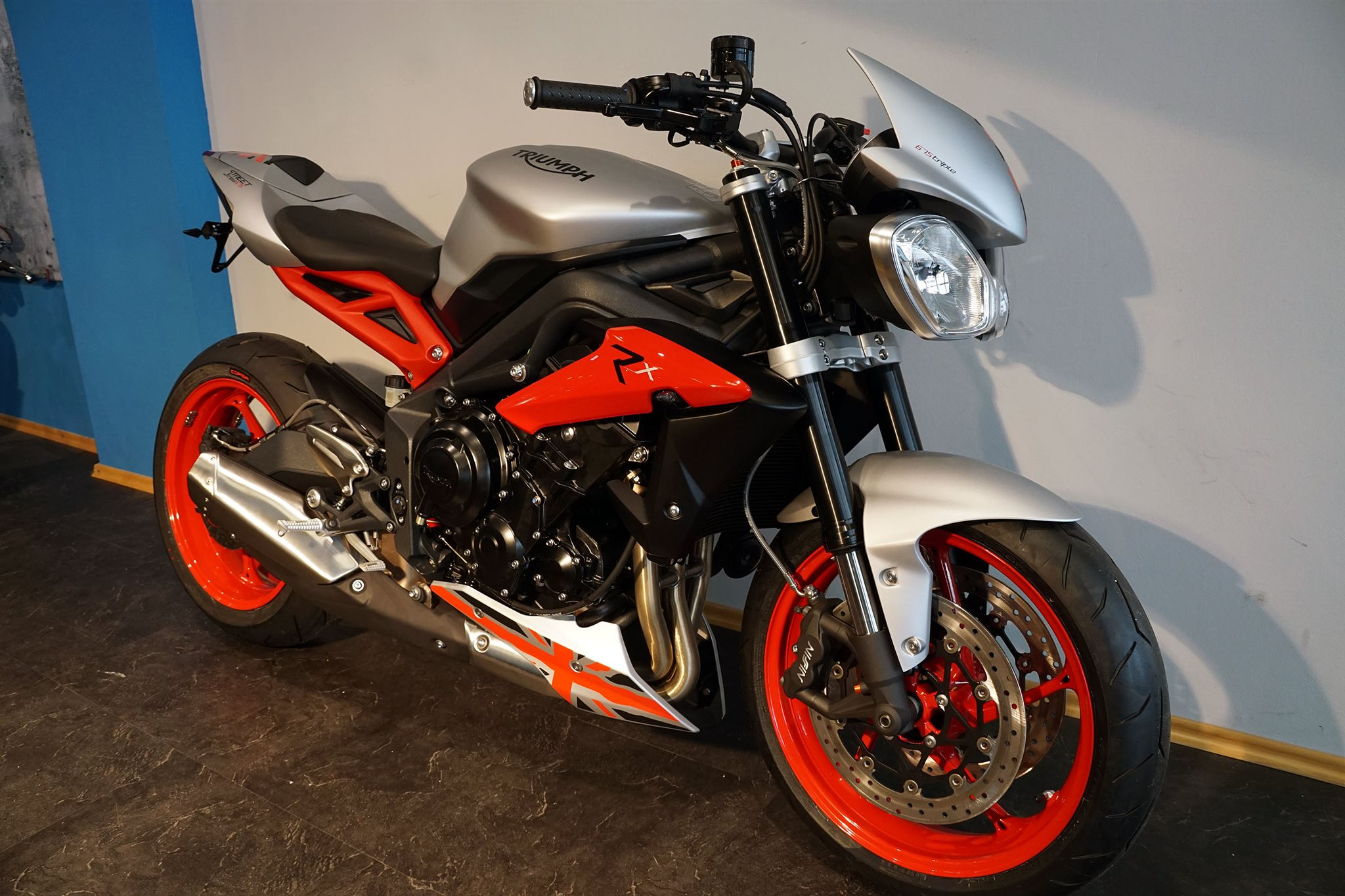 Details zum Custom-Bike Triumph Street Triple RX des