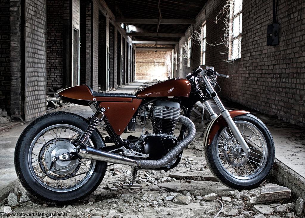 Umgebautes Motorrad Suzuki LS 650 Von Rarebear