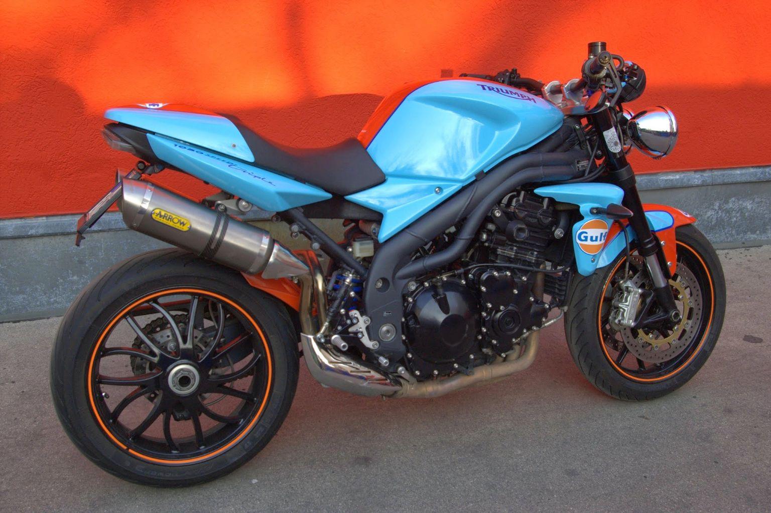 Umgebautes Motorrad Triumph Speed Triple 1050 von Marios