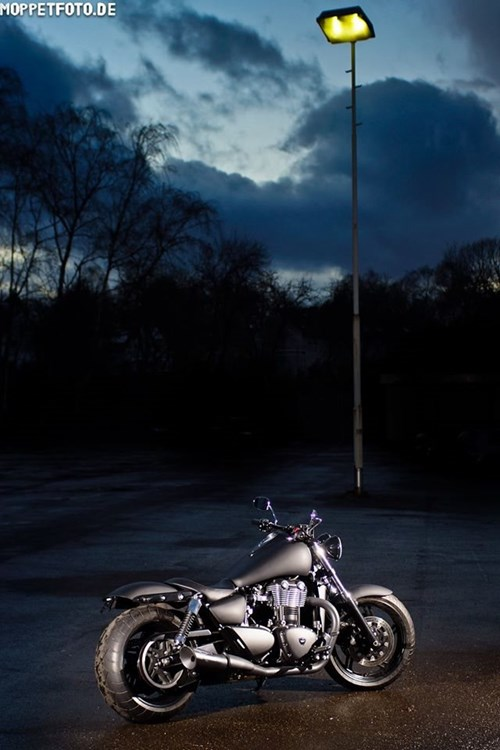 Triumph Thunderbird Storm