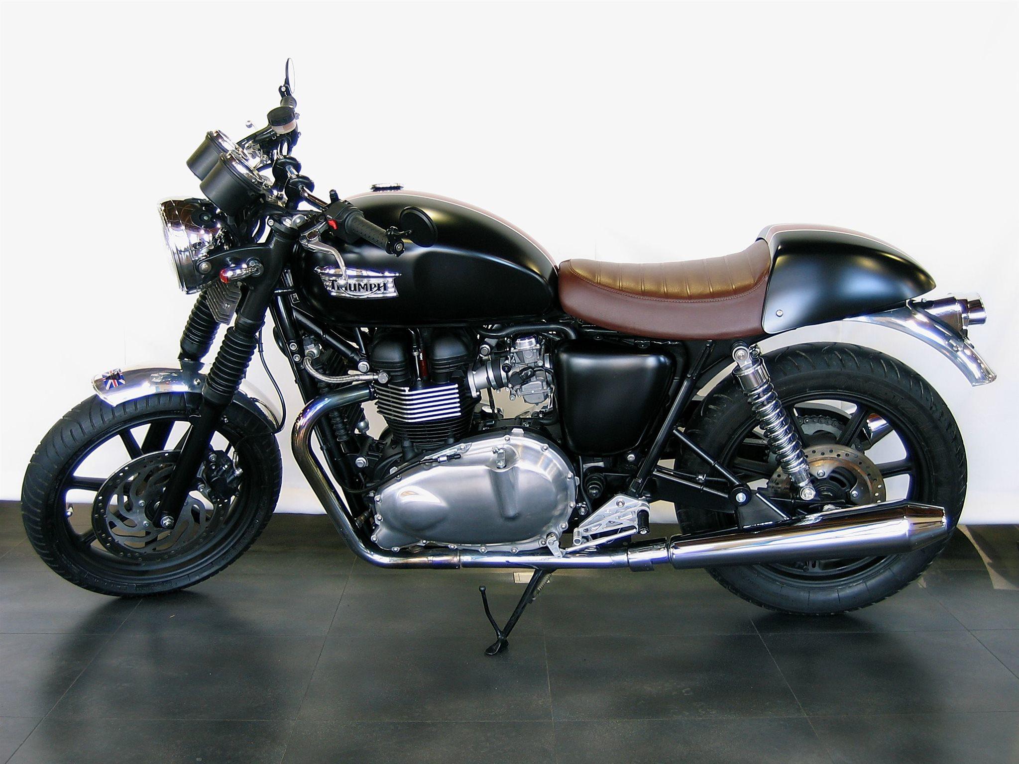 umgebautes motorrad triumph bonneville von sbf triumph. Black Bedroom Furniture Sets. Home Design Ideas