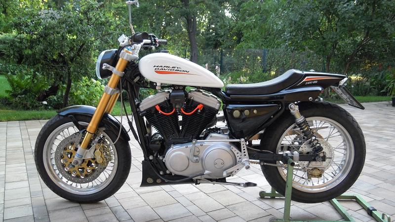 umgebautes motorrad harley davidson sportster xl 883 von. Black Bedroom Furniture Sets. Home Design Ideas