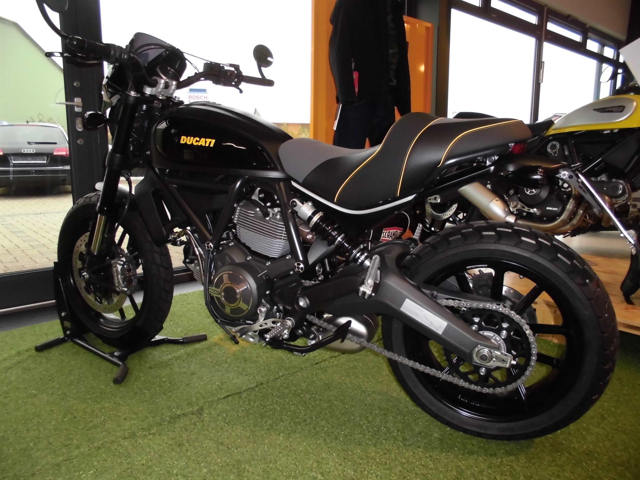 Umgebautes Motorrad Ducati Scrambler Full Throttle Von Team Wahlers