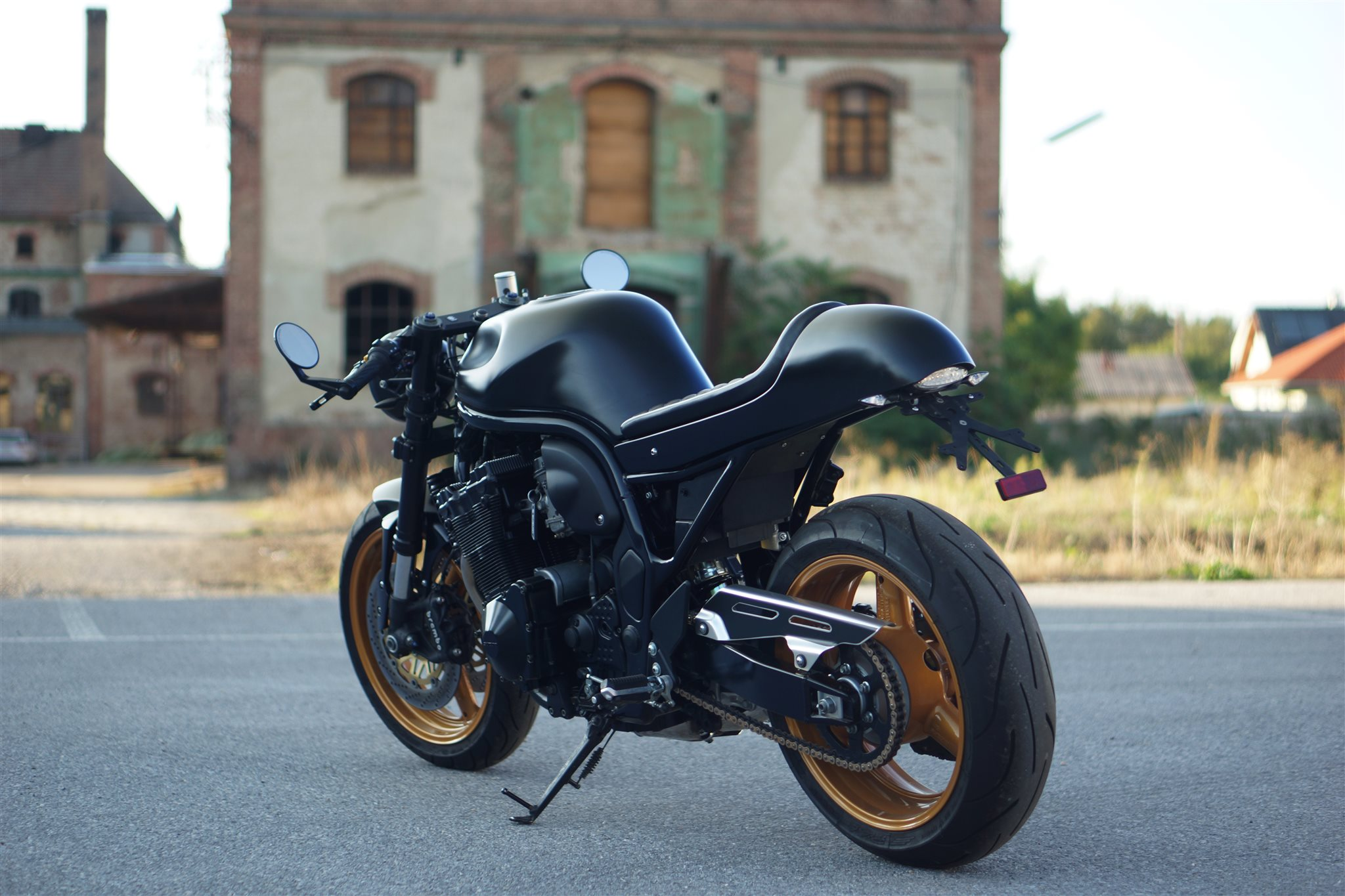 umgebautes motorrad suzuki bandit 1200 von motorrad bogoly. Black Bedroom Furniture Sets. Home Design Ideas