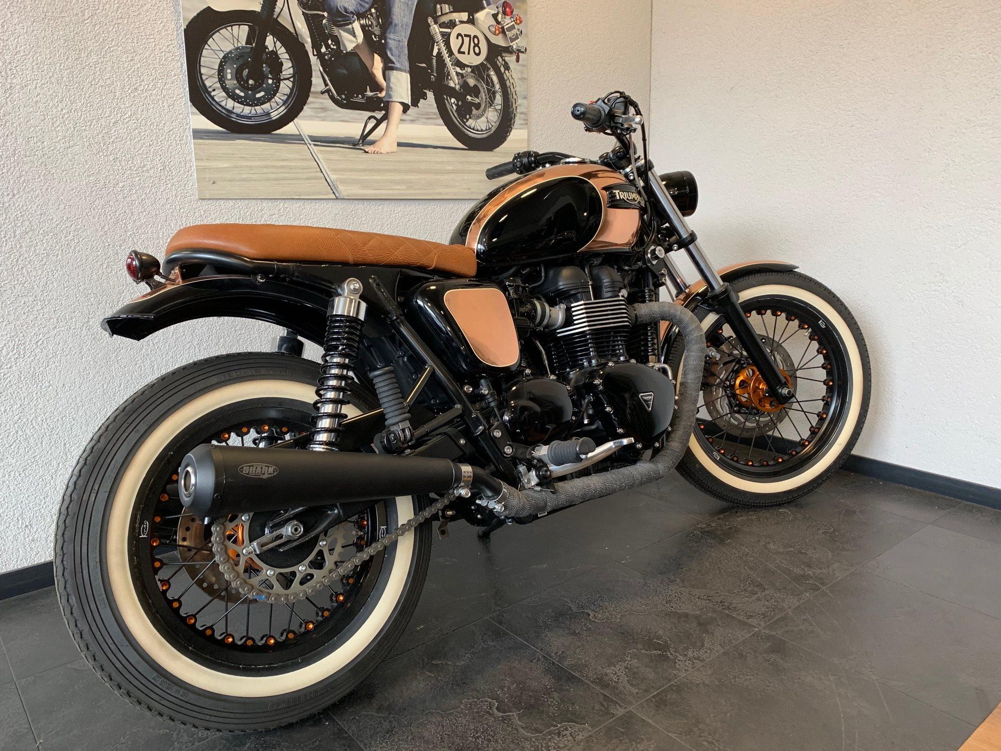 umgebautes motorrad triumph bonneville t100 von pat bikes. Black Bedroom Furniture Sets. Home Design Ideas