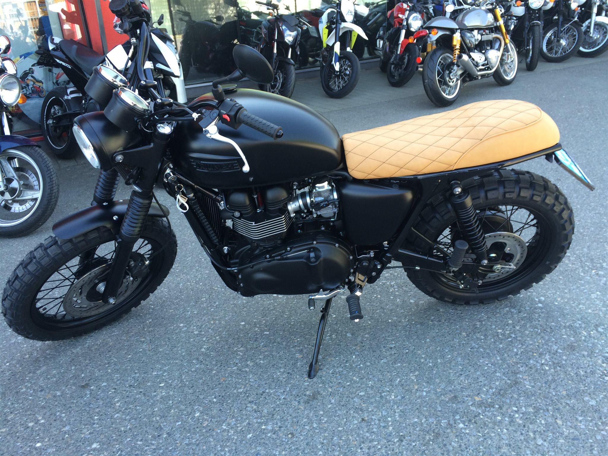 umgebautes motorrad triumph scrambler von motorrad klinik. Black Bedroom Furniture Sets. Home Design Ideas