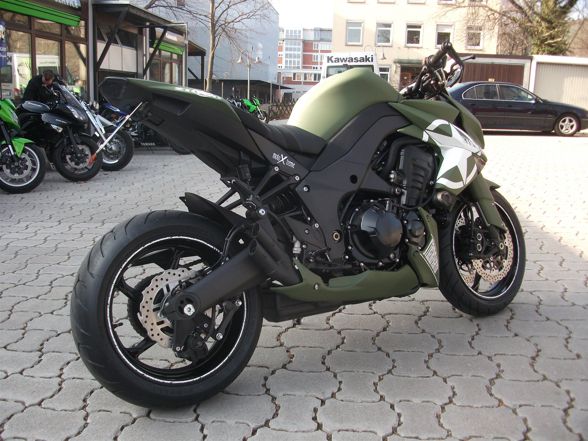Umgebautes Motorrad Kawasaki Z1000 Von MotoXtreme GmbH