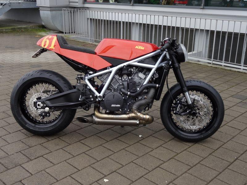 Umgebautes Motorrad KTM 950 SuperEnduro R von KTM