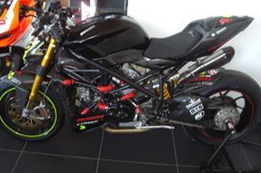 Ducati Streetfighter Umbau anzeigen