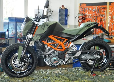 KTM 390 Duke Stark umgebaut