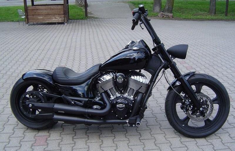 umgebautes motorrad indian chief von wild east motorcycles. Black Bedroom Furniture Sets. Home Design Ideas