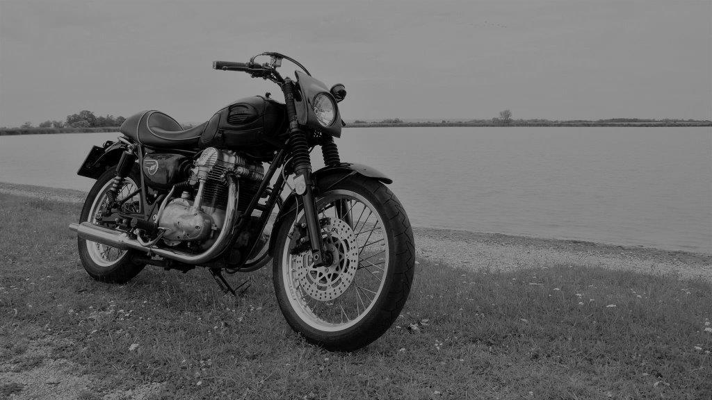 Umgebautes Motorrad Kawasaki W 650 Von Tagatasch 1000psat