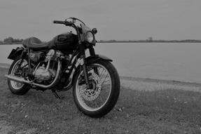 Kawasaki W 650 Umbau anzeigen
