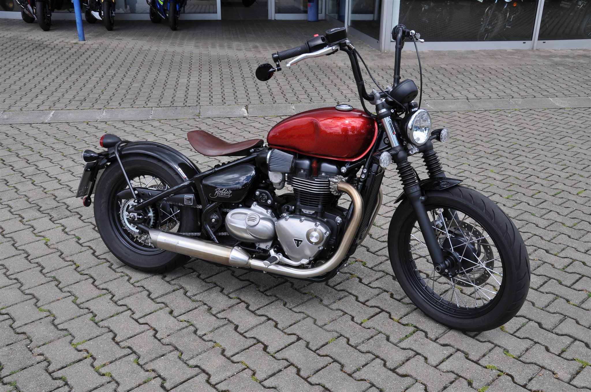 umgebautes motorrad triumph bonneville bobber von zweirad. Black Bedroom Furniture Sets. Home Design Ideas