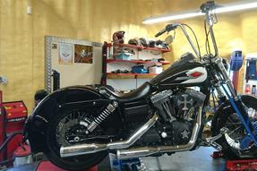 Harley-Davidson Dyna Street Bob FXDB Umbau anzeigen