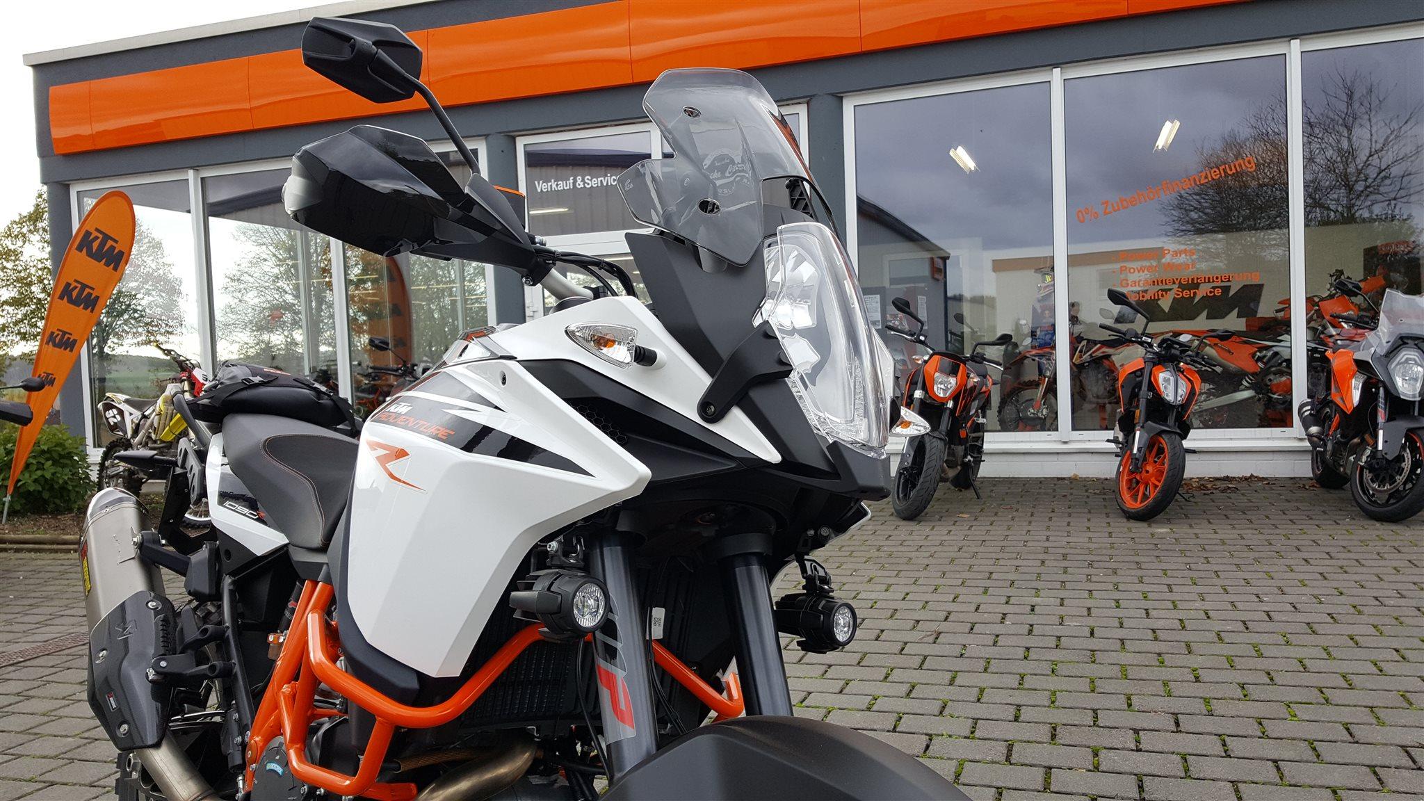 umgebautes motorrad ktm 1090 adventure r von biker s point. Black Bedroom Furniture Sets. Home Design Ideas