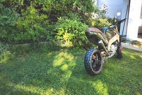 Yamaha YZF 750 R Umbau anzeigen