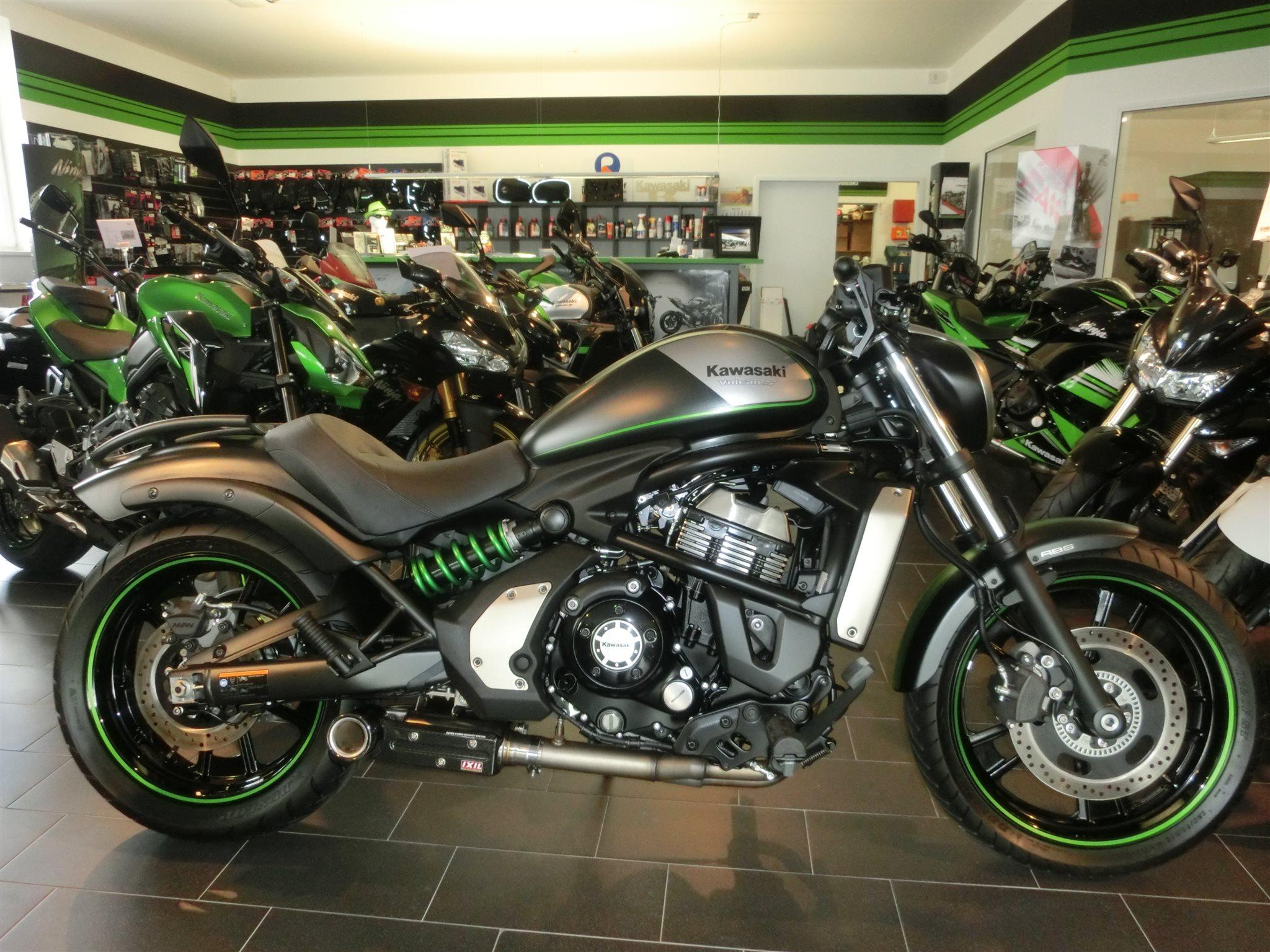 Umgebautes Motorrad Kawasaki Vulcan S Von Kraftfahrzeug Handels Und