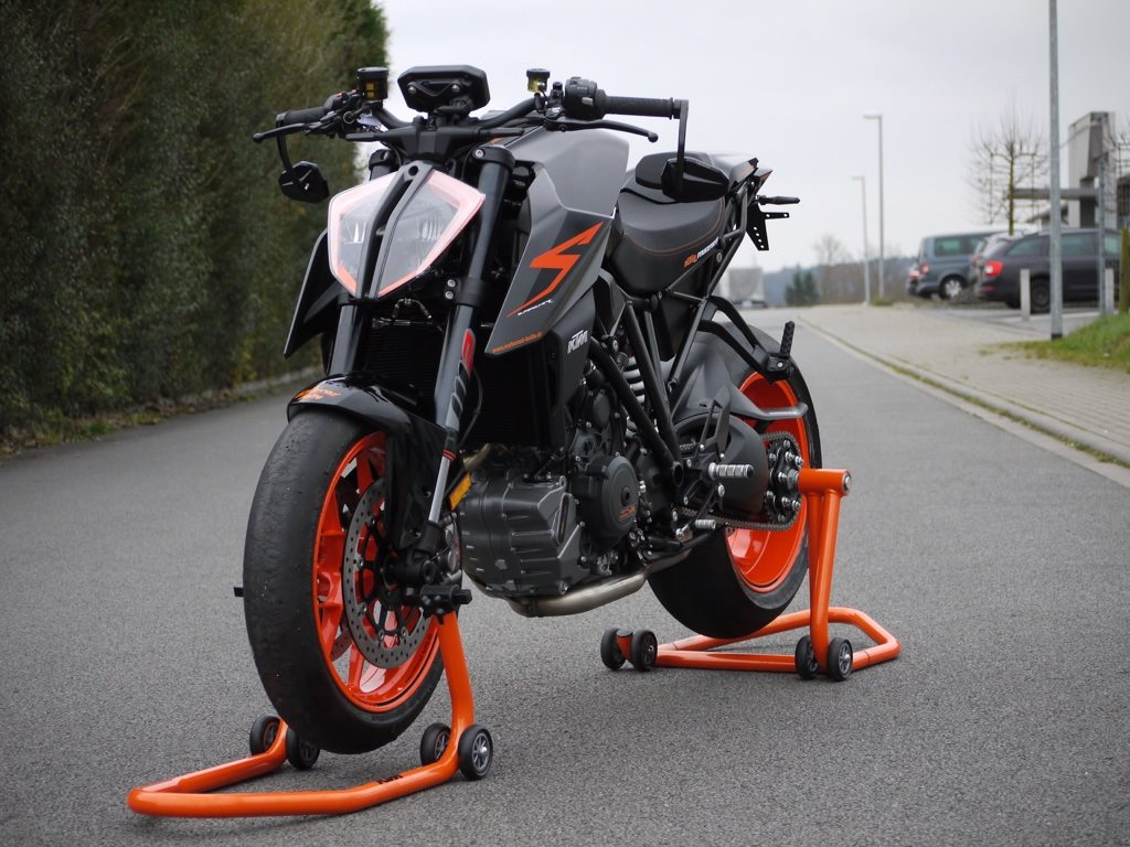 umgebautes motorrad ktm 1290 super duke r von motorrad. Black Bedroom Furniture Sets. Home Design Ideas