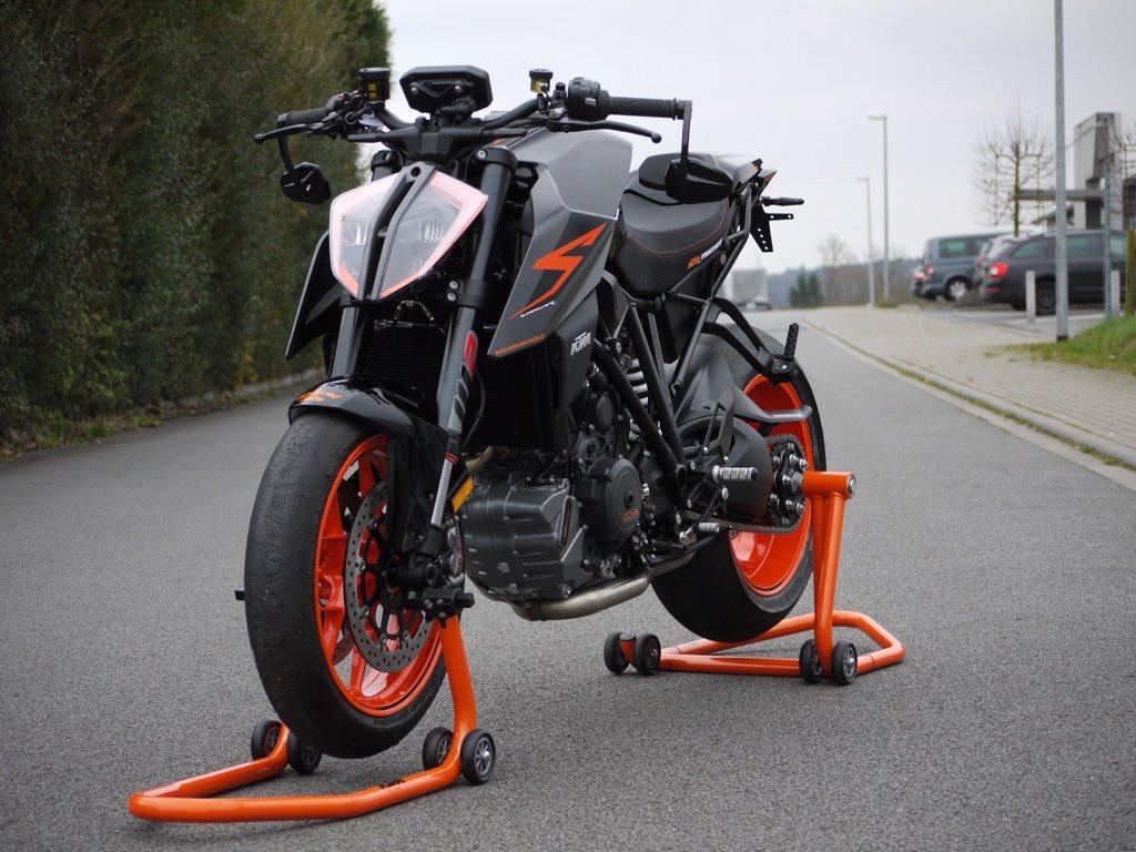 umgebautes motorrad ktm  super duke  von motorrad