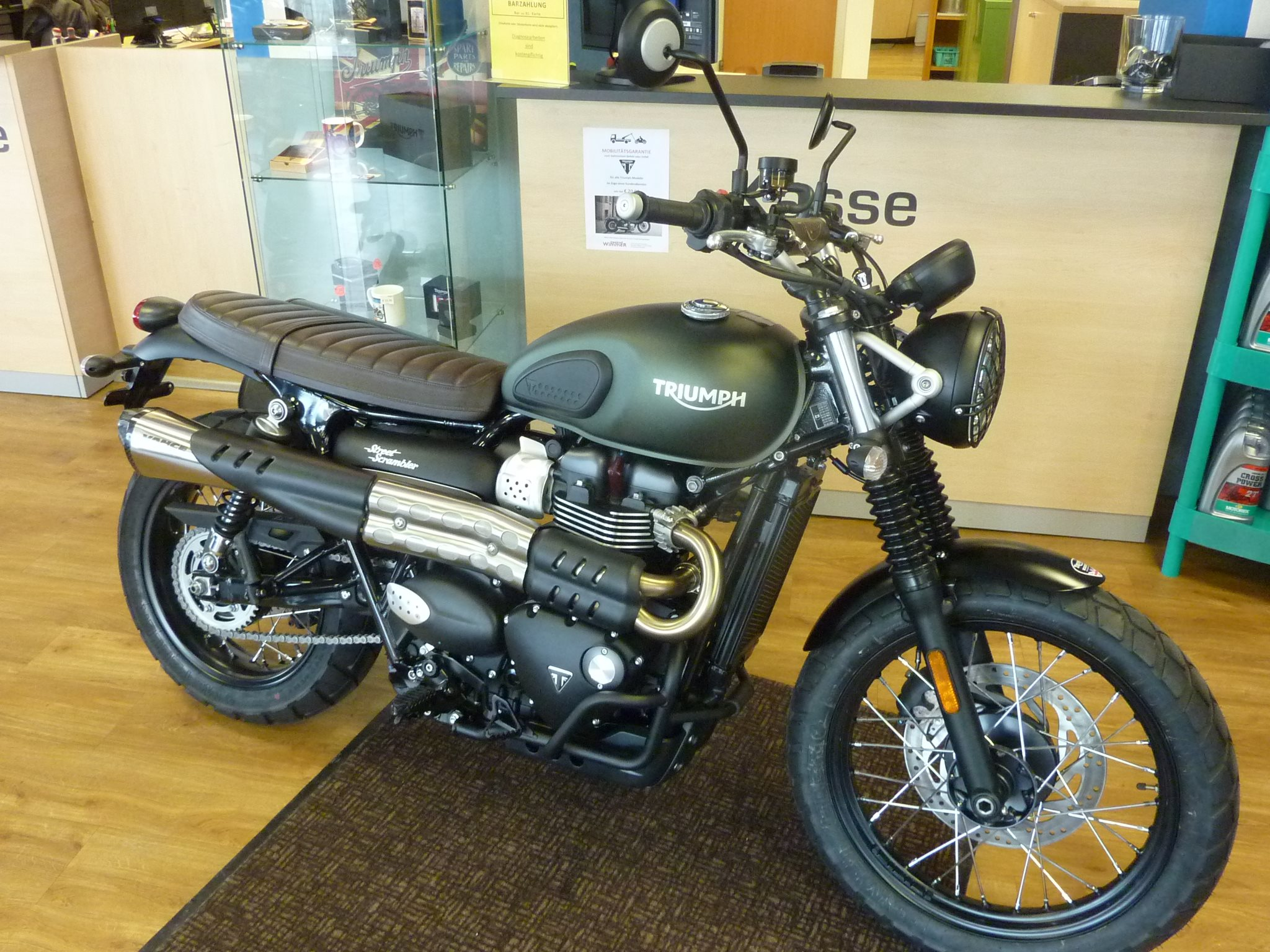 umgebautes motorrad triumph street scrambler von zweirad. Black Bedroom Furniture Sets. Home Design Ideas