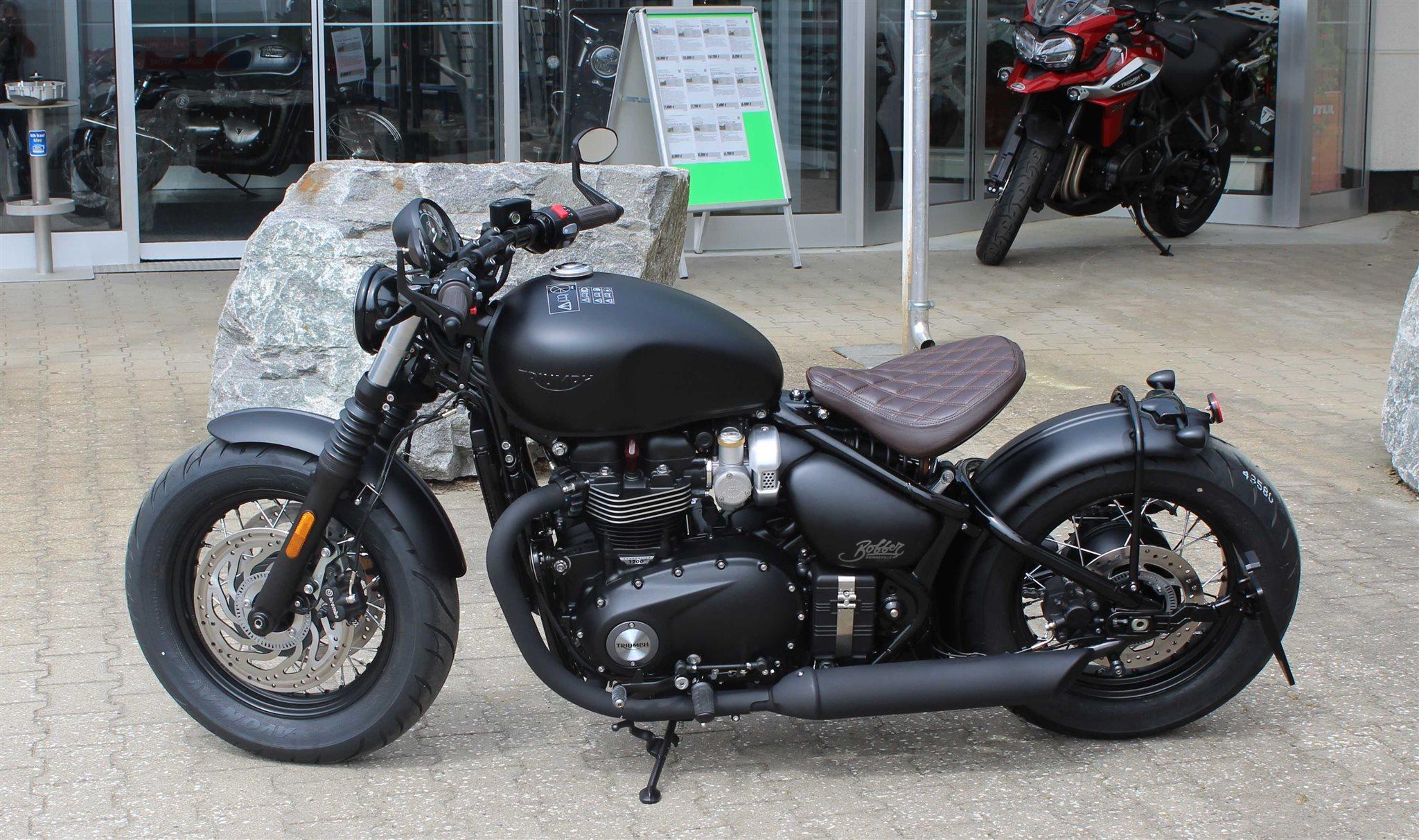 umgebautes motorrad triumph bonneville bobber black von. Black Bedroom Furniture Sets. Home Design Ideas