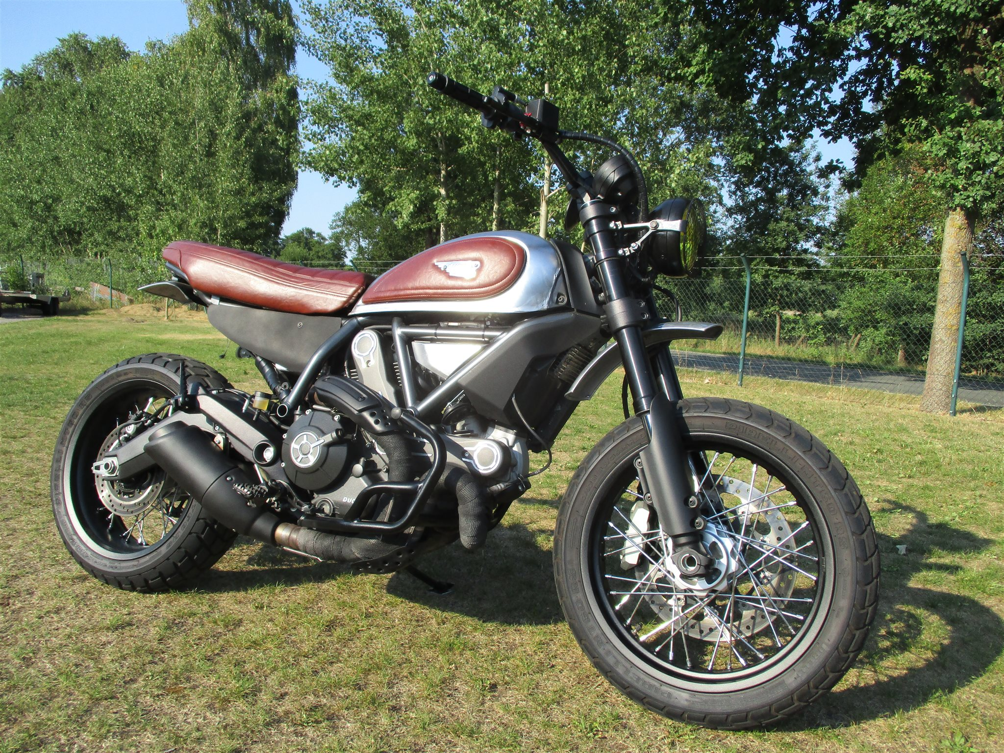 umgebautes motorrad ducati scrambler urban enduro von team. Black Bedroom Furniture Sets. Home Design Ideas