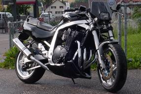 Suzuki GSX-R 1100 Umbau anzeigen