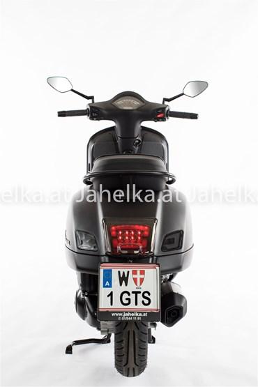 Vespa GTS 300 Super Notte