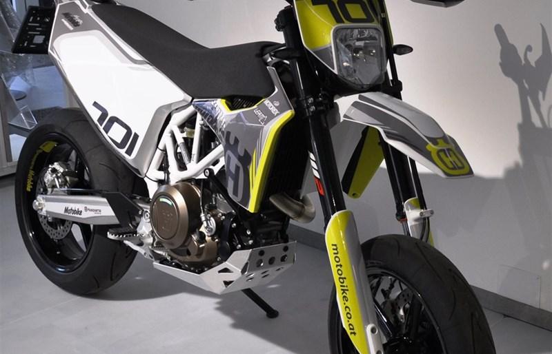 umgebautes motorrad husqvarna 701 supermoto von motobike. Black Bedroom Furniture Sets. Home Design Ideas