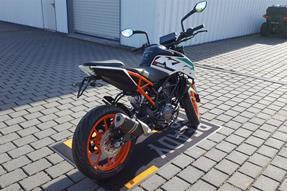 KTM 125 Duke Umbau anzeigen
