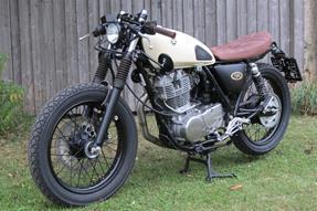 Yamaha SR 400 Umbau anzeigen