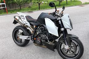 KTM 990 Super Duke Umbau anzeigen