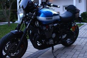 Yamaha XJR 1300 Umbau anzeigen