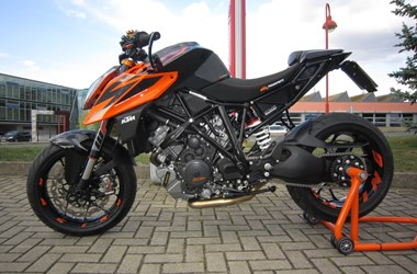 /umbau-ktm-1290-super-duke-r-49102