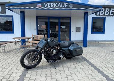 Gebrauchtmotorrad Harley-Davidson Road King Classic FLHRC