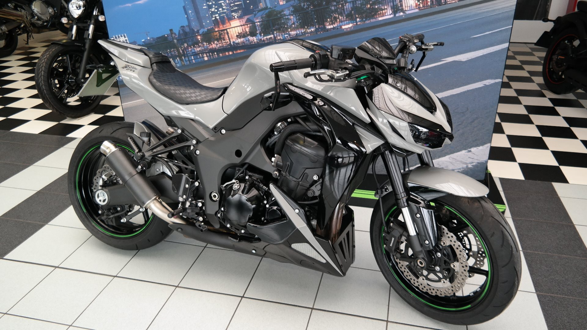 Details zum Custom-Bike Kawasaki Z 1000 Black Edition des