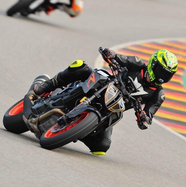 PEPA-BIKES Rennstreckentraining Sachsenring