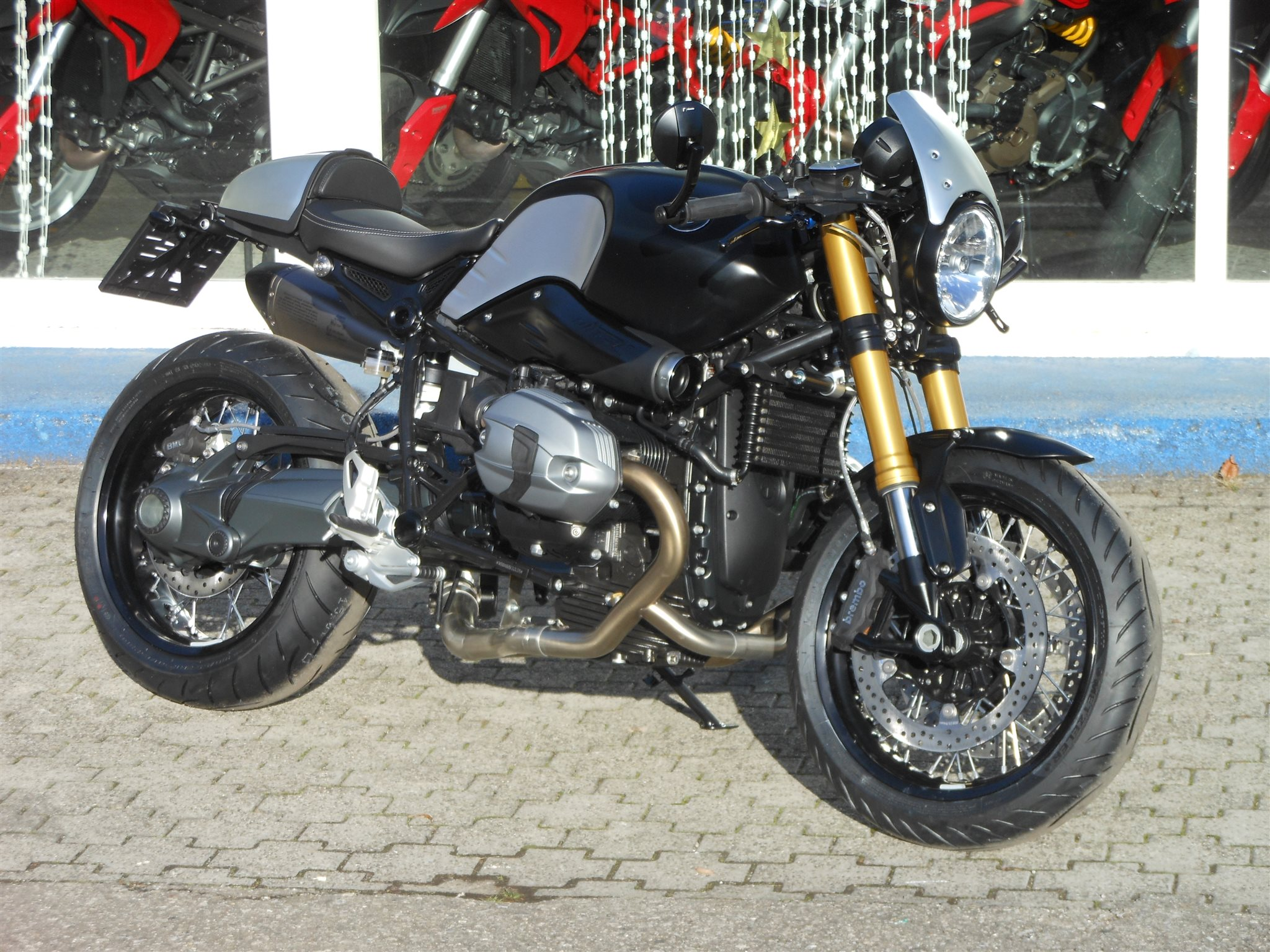 modellnews bmw r ninet cafe racer. Black Bedroom Furniture Sets. Home Design Ideas