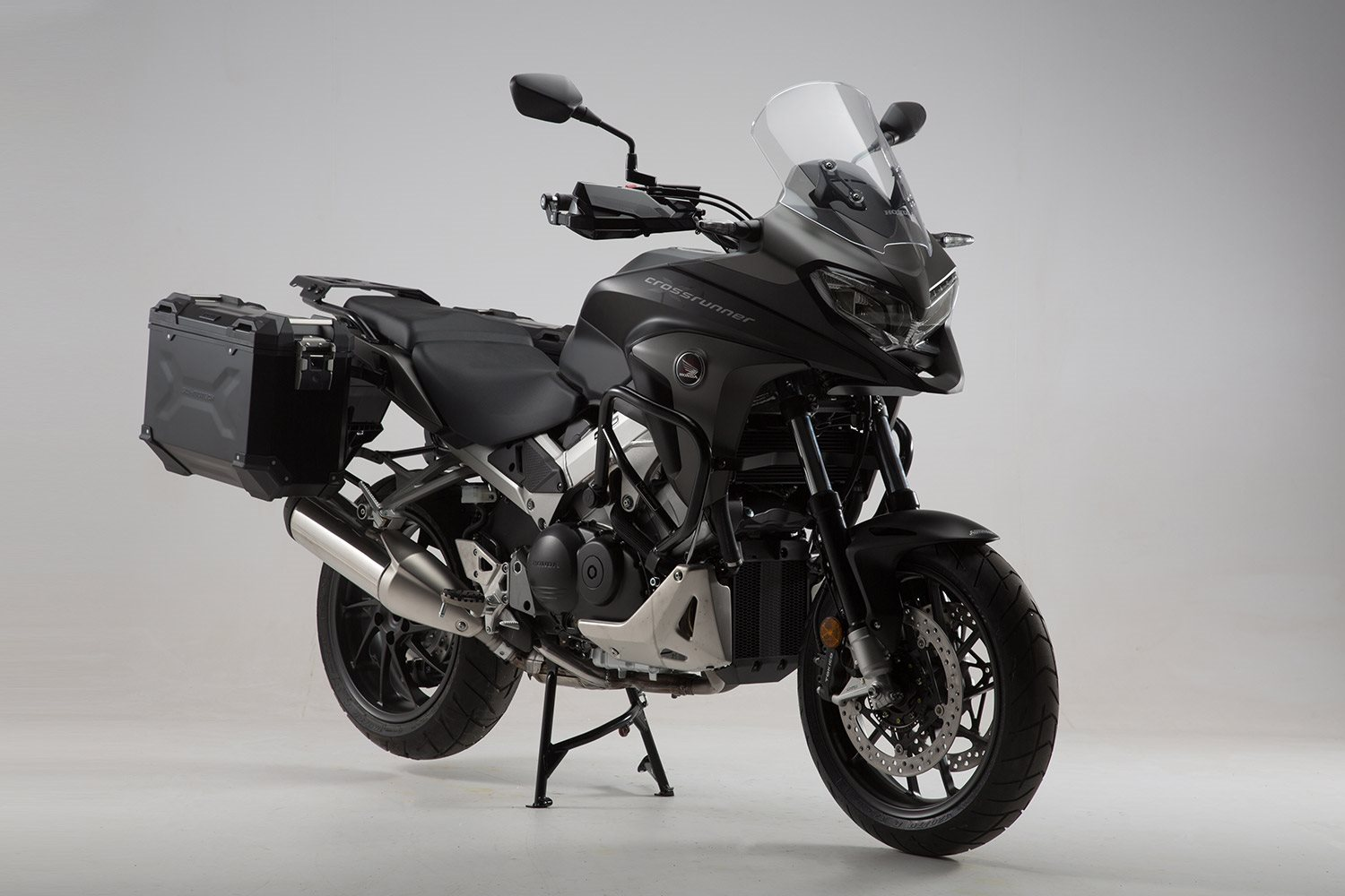 sw motech stattet honda vfr 800 x crossrunner aus motorrad news. Black Bedroom Furniture Sets. Home Design Ideas