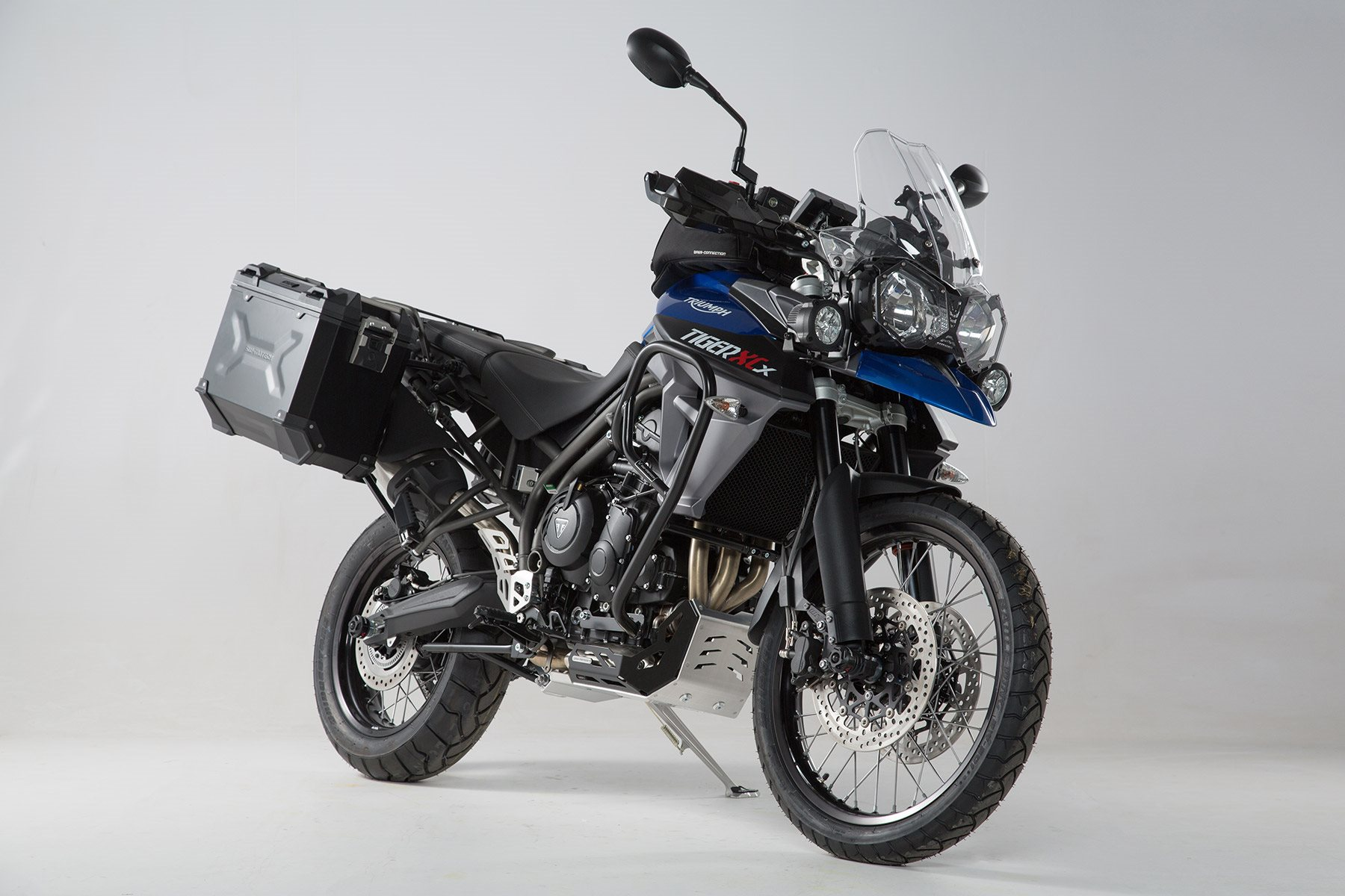modellnews sw motech zubeh r f r triumph tiger 800 xc xcx xca. Black Bedroom Furniture Sets. Home Design Ideas