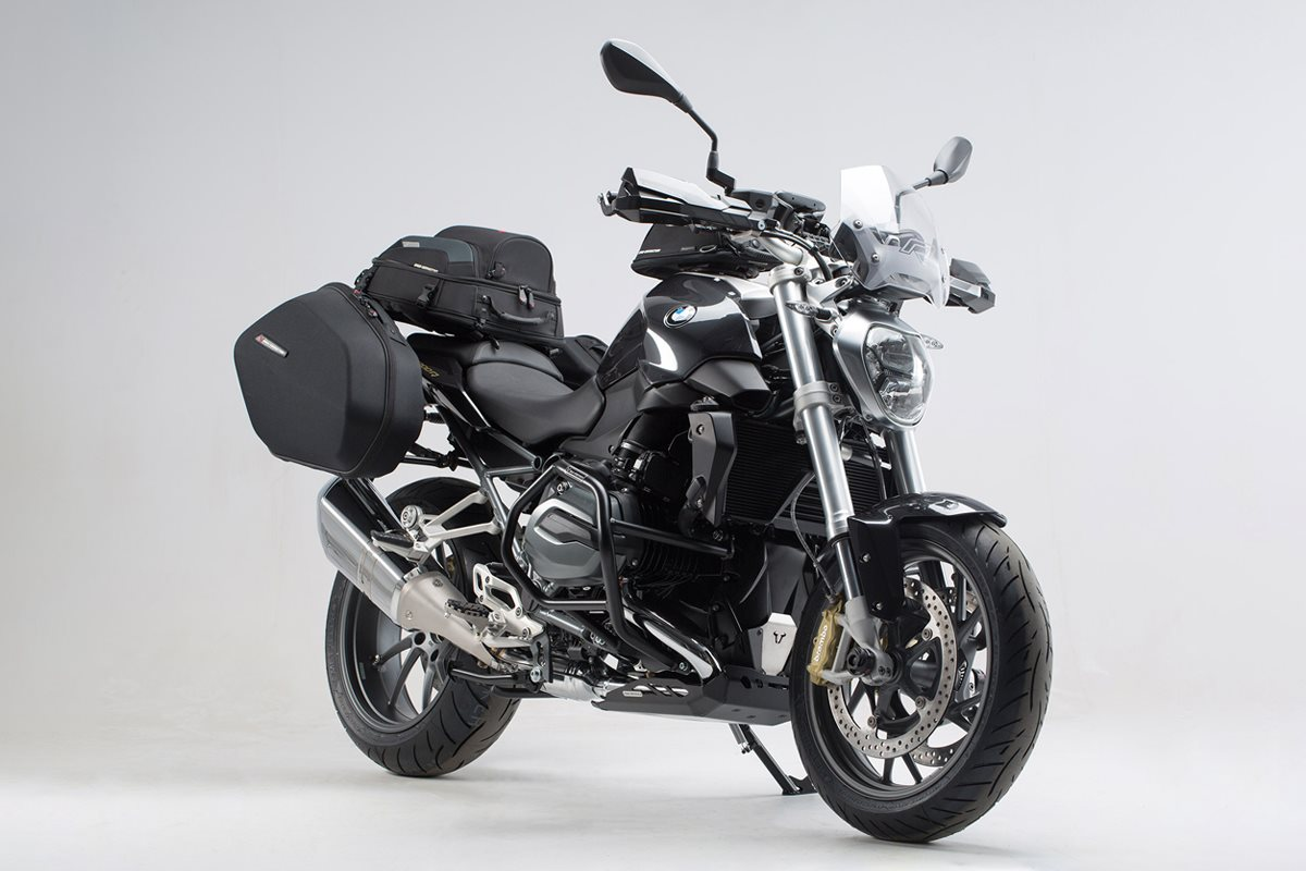 volles ausstattungsprogramm f r die bmw r 1200 r. Black Bedroom Furniture Sets. Home Design Ideas