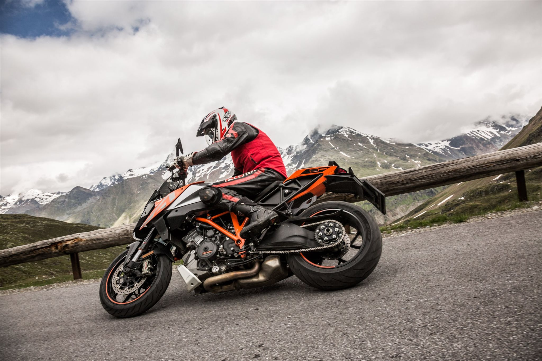 KTM 1290 Super Duke GT Test in den Alpen Ischgl 2016 Foto
