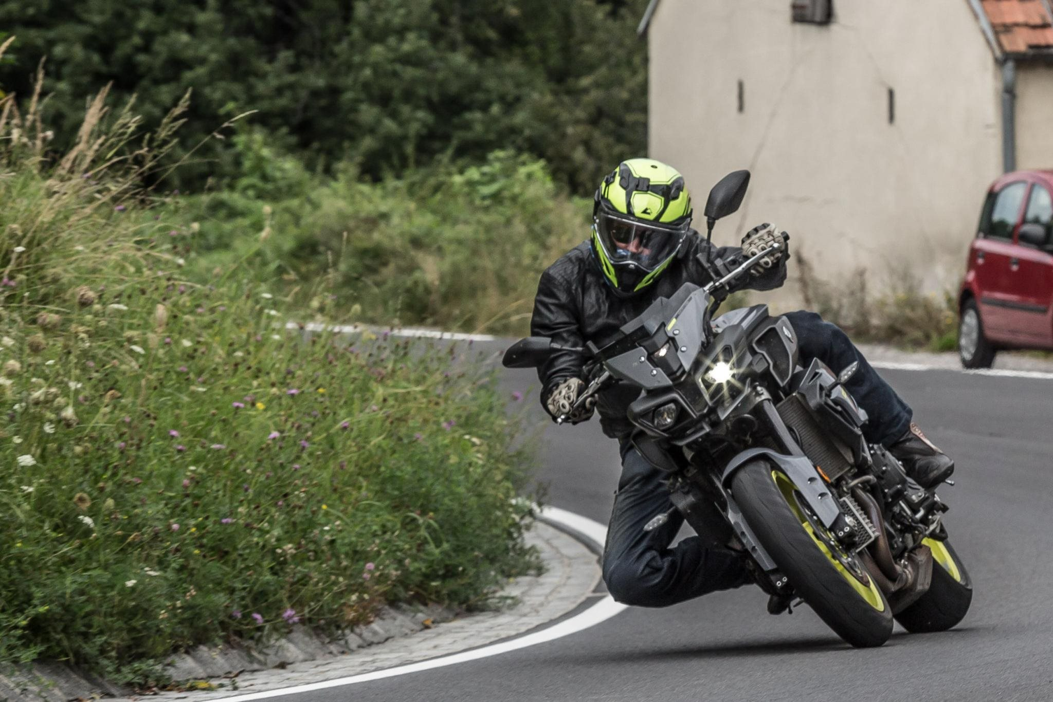 Vierzylinder Power-Naked Bike Vergleich Test 2016 Foto