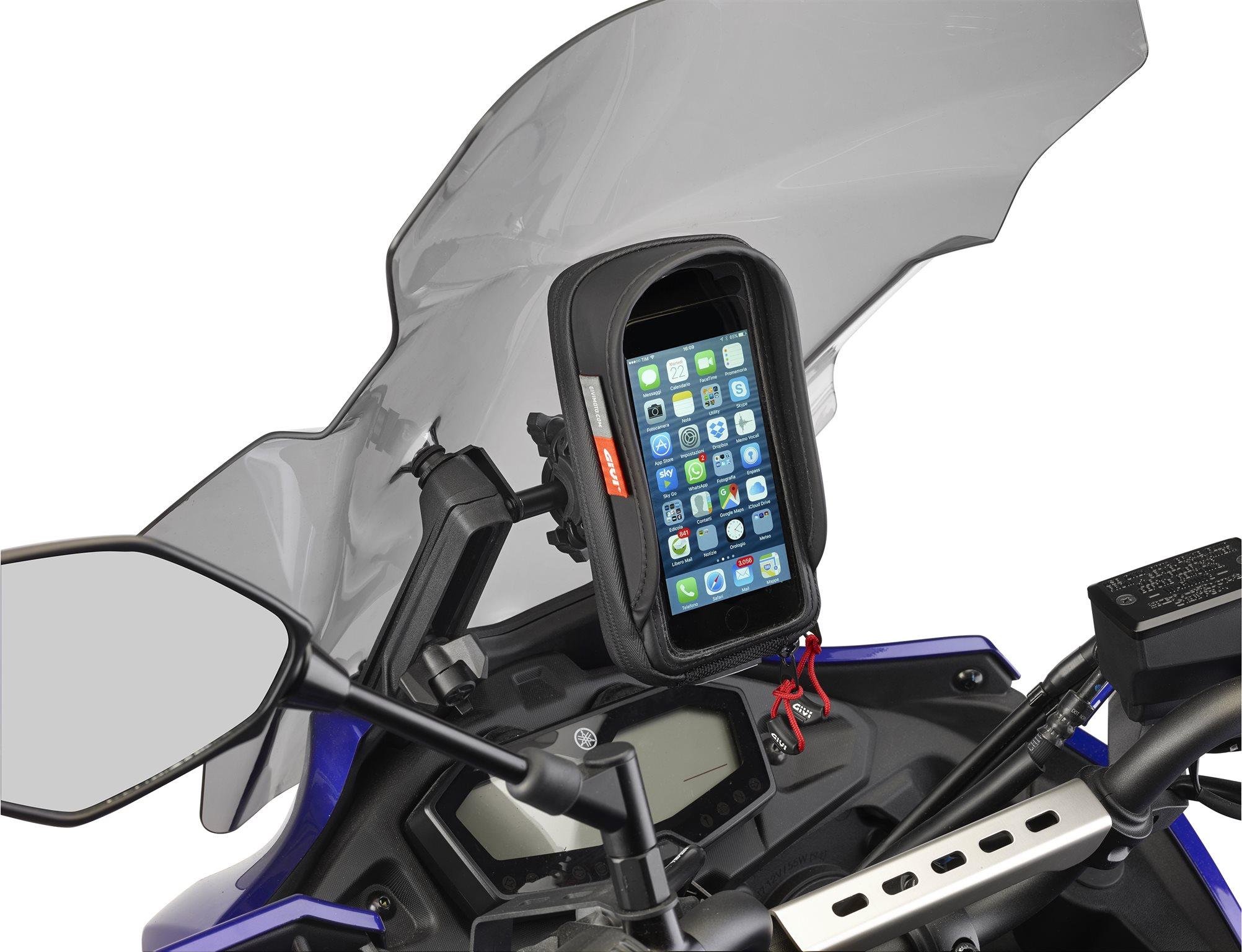 gps und smartphone halterungen von givi motorrad news. Black Bedroom Furniture Sets. Home Design Ideas